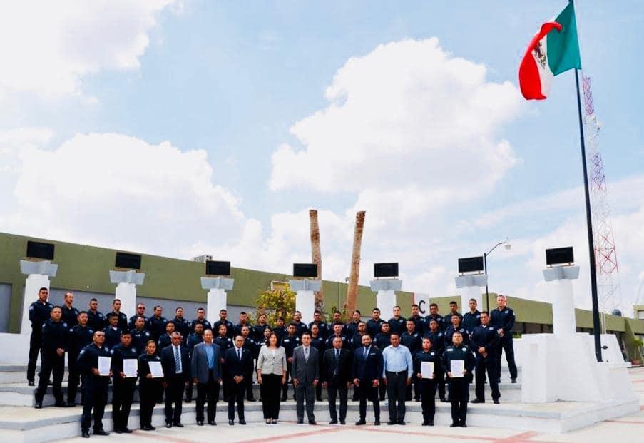 CLAUSURAN CURSO PROFESIONALIZANTE A ELEMENTOS DE POLICÍÁ ESTATAL Y MUNICIPAL.