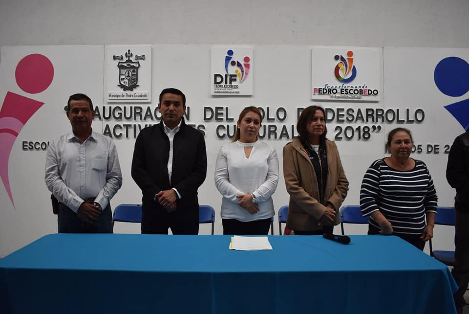 INAUGURA AMARILDO BÁRCENAS POLO DE DESARROLLO EN ESCOLÁSTICAS