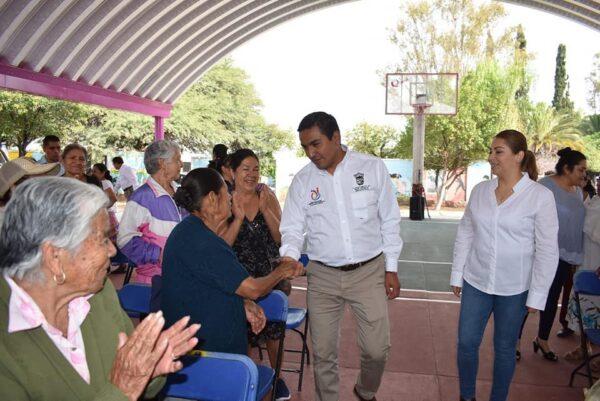 RECONOCEN A ADULTOS MAYORES EN EL DIF MUNICIPAL DE PEDRO ESCOBEDO