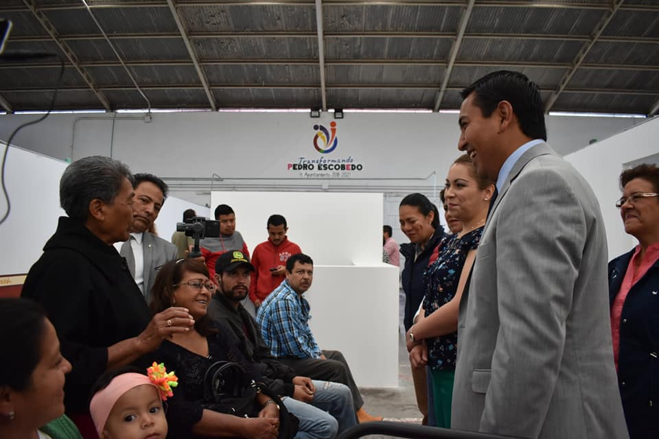RECORRE AMARILDO BÁRCENAS NUEVAS OFICINAS DE ATENCIÓN EN EL AUDITORIO MUNICIPAL DE PEDRO ESCOBEDO.