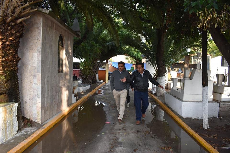 SUPERVISA AMARILDO BÁRCENAS TRABAJOS EN EL PANTEÓN MUNICIPAL