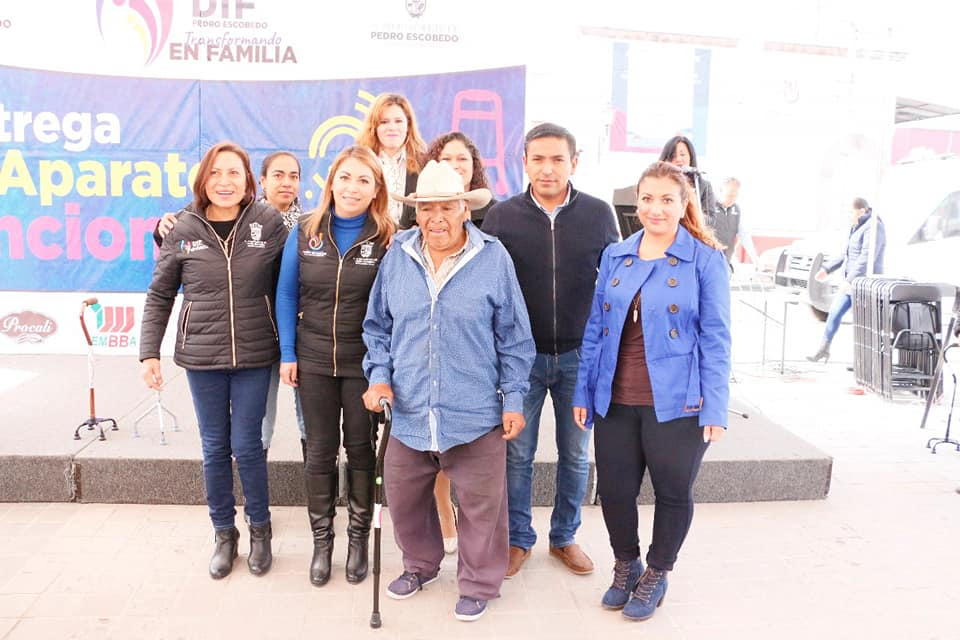 ENTREGA DIF MUNICIPAL DE PEDRO ESCOBEDO APARATOS FUNCIONALES